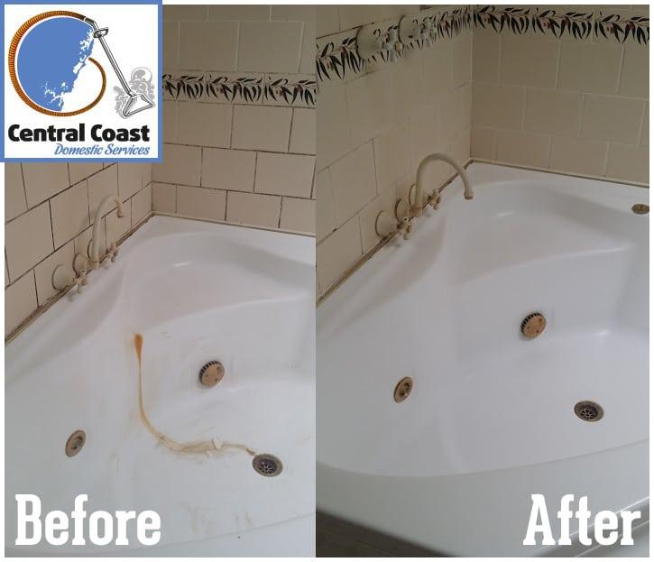 Corner Bath - End Of Lease Clean